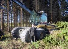 Magnus Olsson framför sin EcoLog 590D