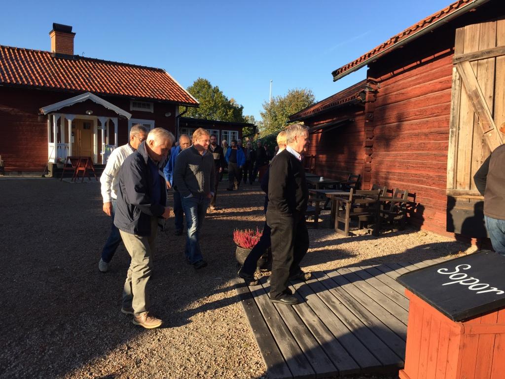 Foermiddagsfika Vaestanfors Bygdeg Rd 002 Bussresa Till Sagen Krylbo Och Brandomradet Skogsam